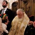 Патријархот Грузиски Илија крсти 521 дете во 62-та групна крштевка (21.01.2020)
